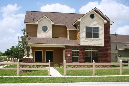 Exterior 2 at Listing #150836