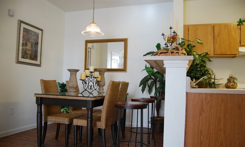 Dining at Listing #140779