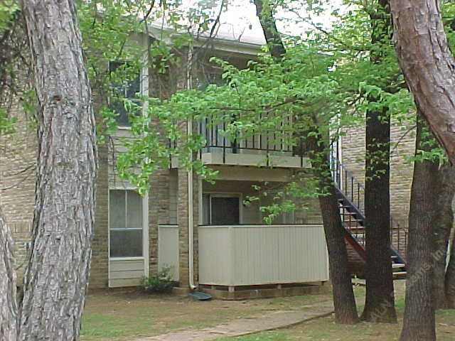 Exterior 2 at Listing #137037