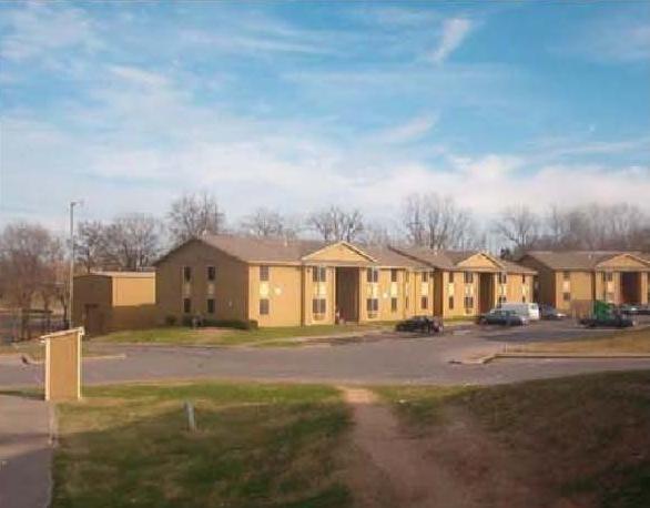 Village Oaks Apartments , TX