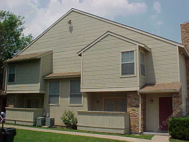 Exterior 5 at Listing #136177
