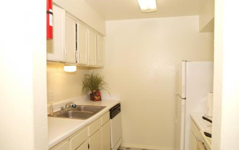 Kitchen at Listing #139188