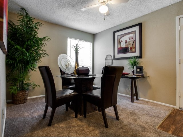 Dining at Listing #136395