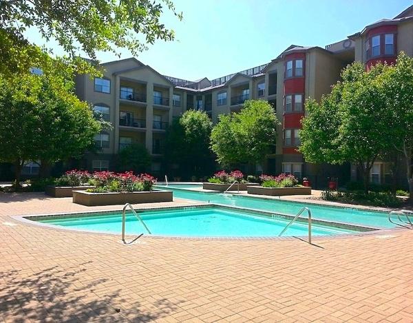 Pool at Listing #138090