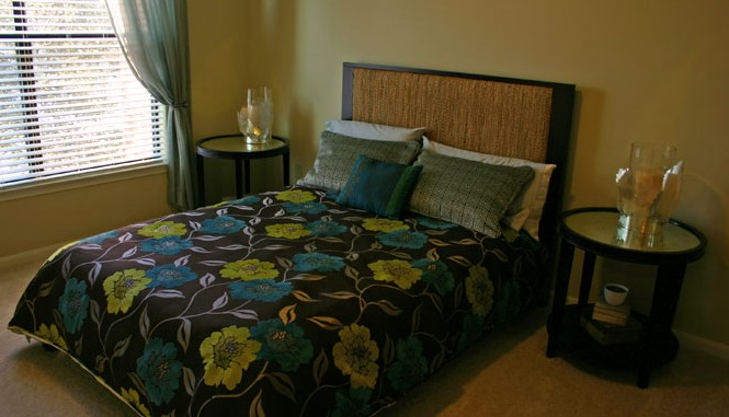 Bedroom at Listing #151574