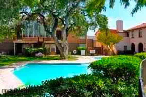 Pool at Listing #141053