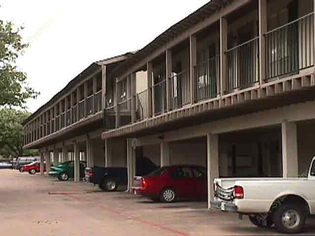 Crescent View Apartments Dallas, TX