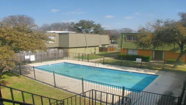 Pool at Listing #151562