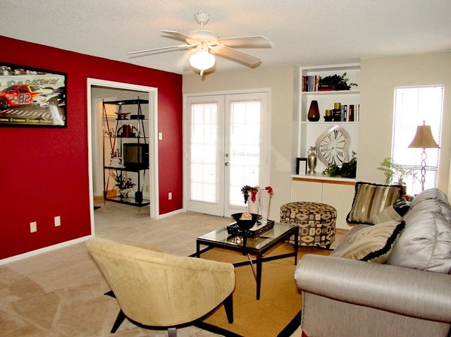 Living at Listing #138533