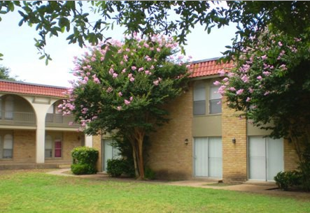 Spanish Villa Apartments , TX