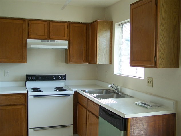 Kitchen at Listing #139897