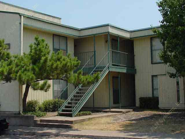Newport Landing Apartments , TX