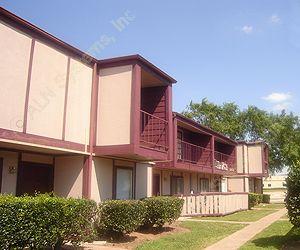 Huntington Village/Cambridge Crossing Apartments Houston TX