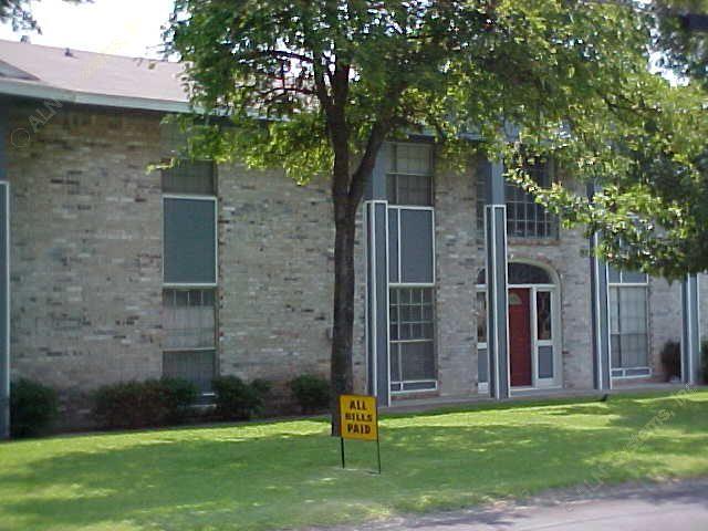 Monticello Apartments Arlington, TX