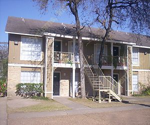 English Oaks Apartments Houston TX