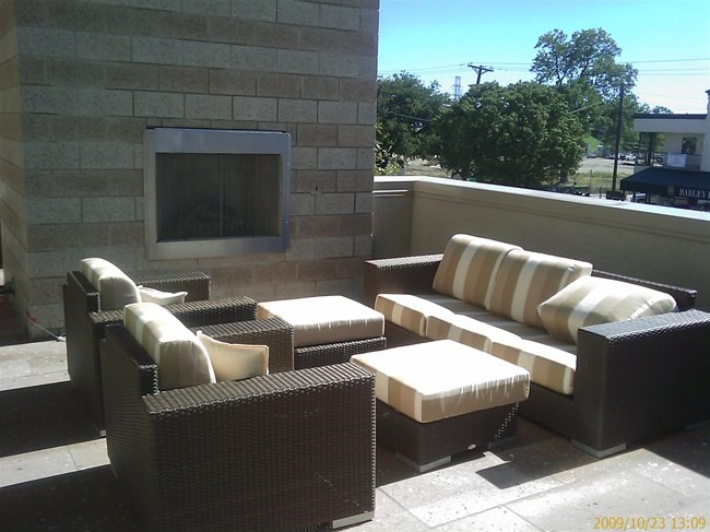 Lounge at Listing #147040