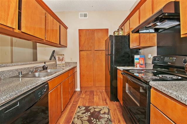 Kitchen at Listing #136519
