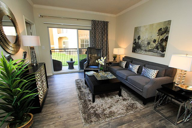 Living at Listing #140699
