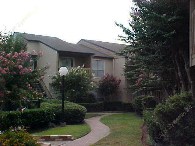 Exterior at Listing #138305