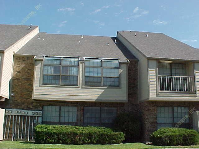Exterior 4 at Listing #137444