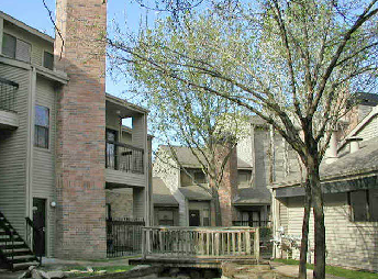 Exterior at Listing #139886