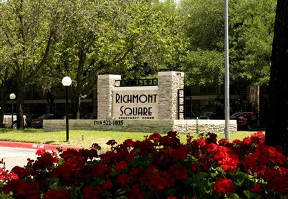 Richmont Square Apartments , TX