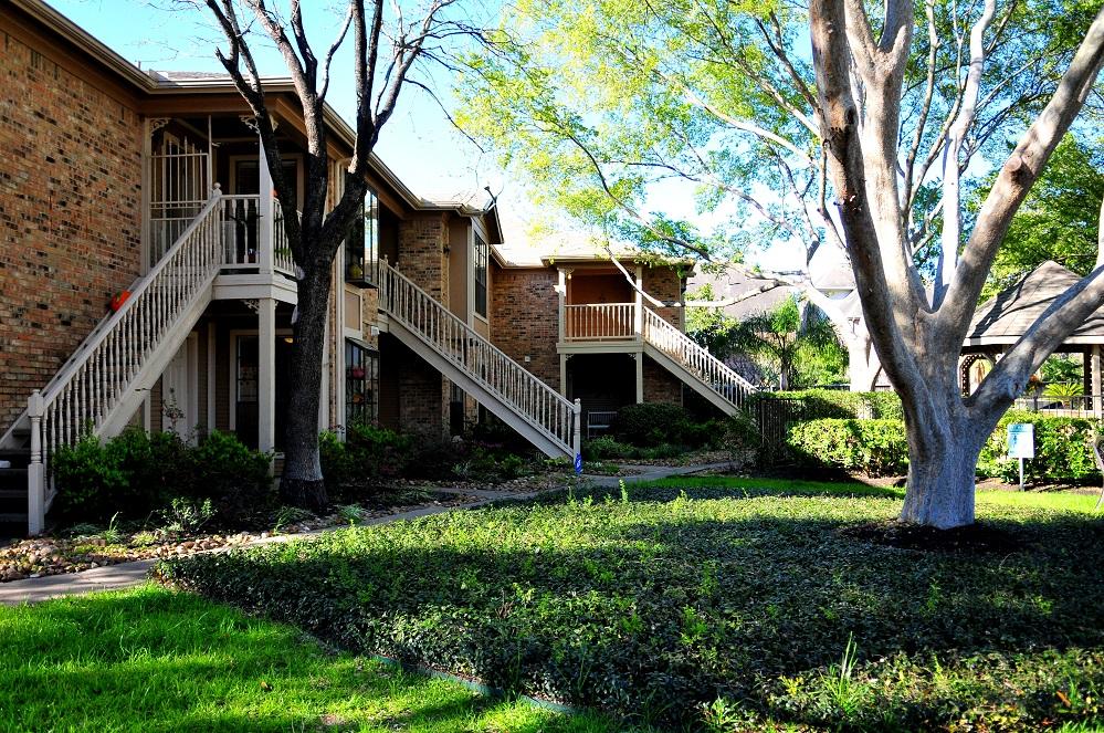 Woodvine Park Condos Houston TX