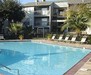 Chestnut Hill Apartments Houston, TX