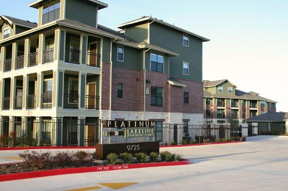 Platinum Lakeline Apartments Austin TX