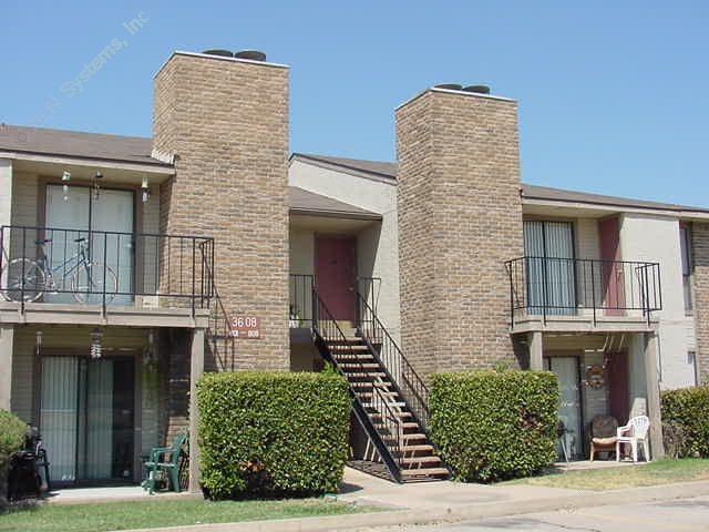 Oakwood Apartments Fort Worth, TX