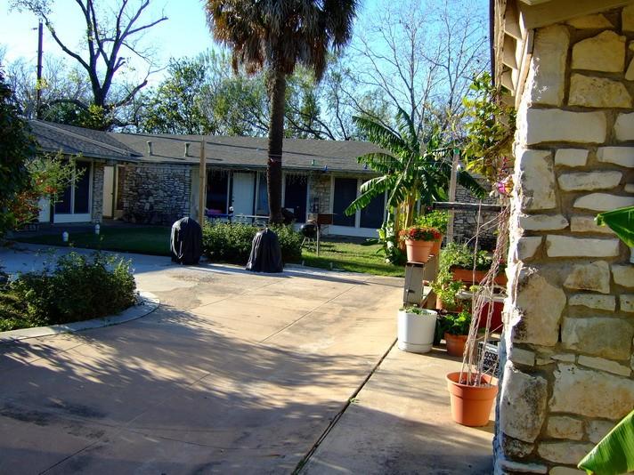 Raphael Apartments Austin, TX