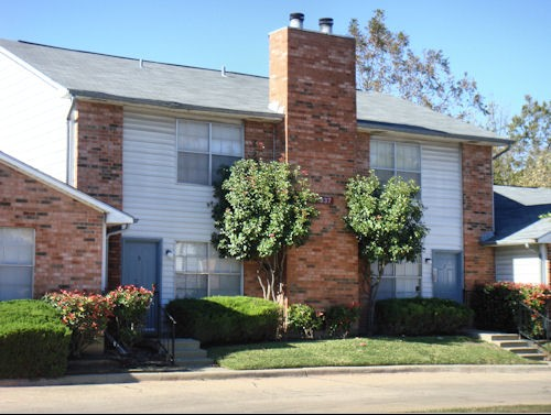 Exterior 3 at Listing #136338