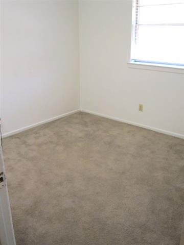 Bedroom at Listing #150709