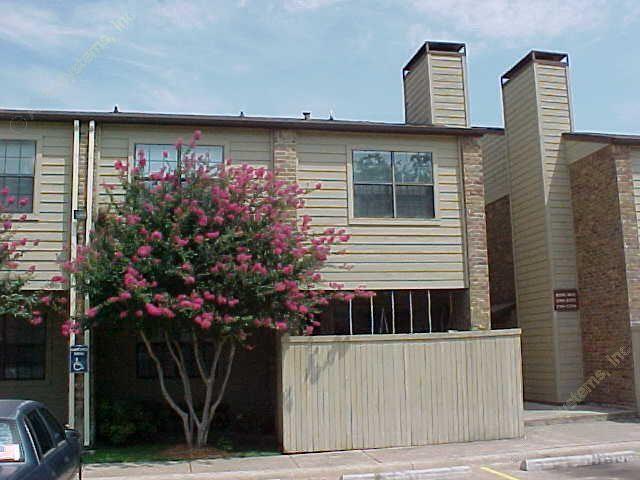 Cimarron Place Apartments Dallas TX