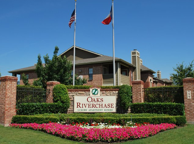 Oaks Riverchase Apartments Coppell, TX