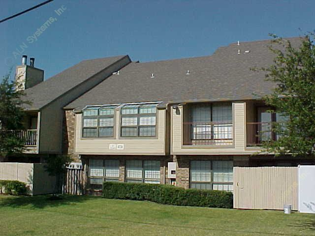 Exterior 5 at Listing #137444