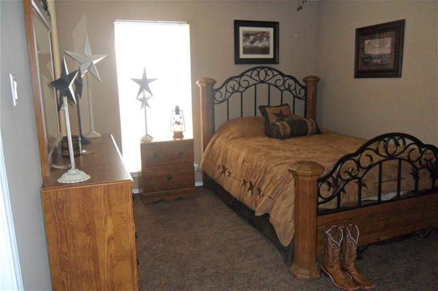 Bedroom at Listing #136366