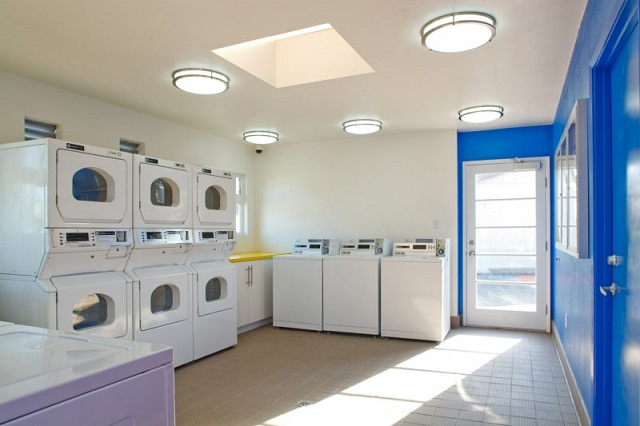Laundry at Listing #137050