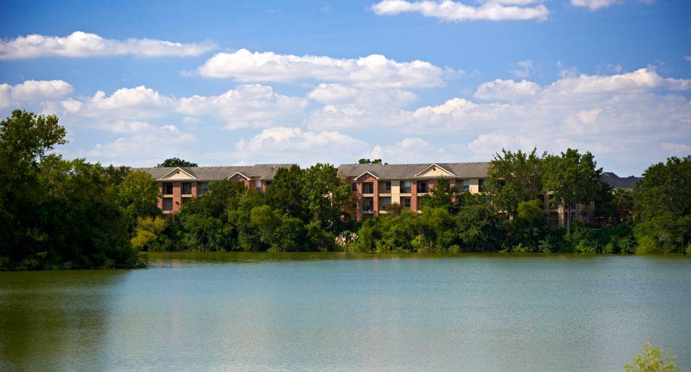 Breakers at Windmill Lakes Apartments Houston, TX