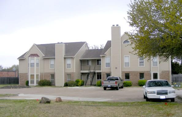 Hampton Court Apartments Garland TX