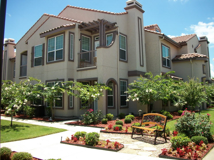 Colony Townhomes Apartments Waxahachie, TX