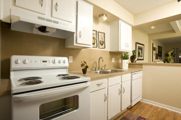 Kitchen at Listing #139666