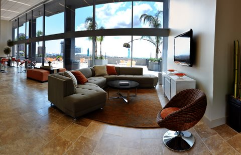 Lounge at Listing #138956