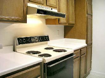 Kitchen at Listing #139886