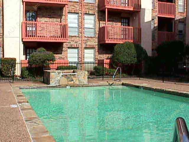 Courtyard Village Apartments Dallas TX