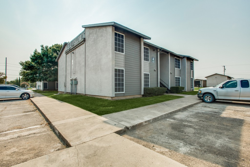 Exterior at Listing #136485