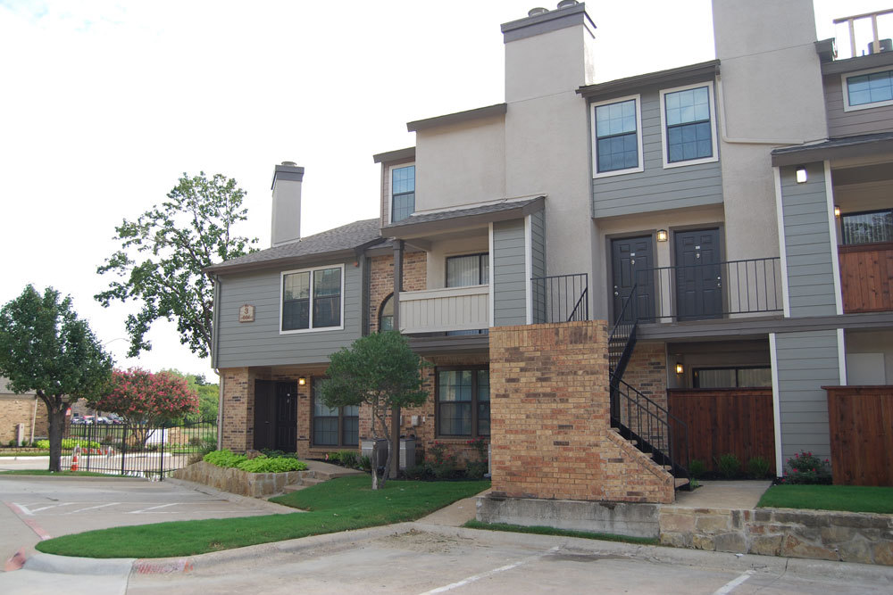Exterior at Listing #137044