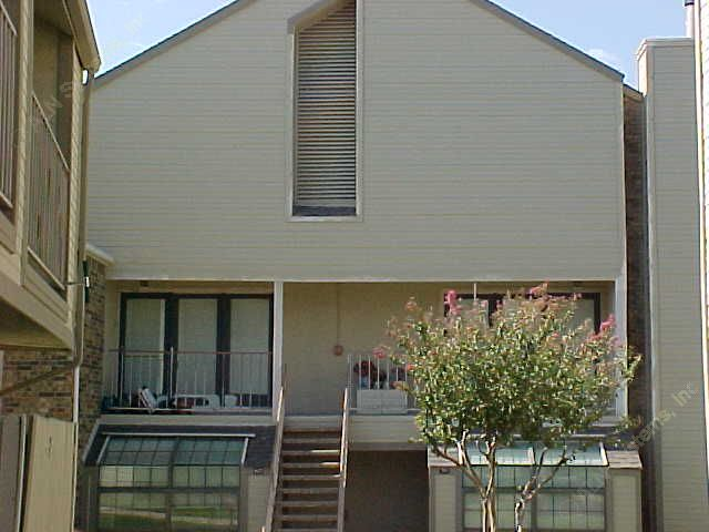 Exterior 3 at Listing #137444