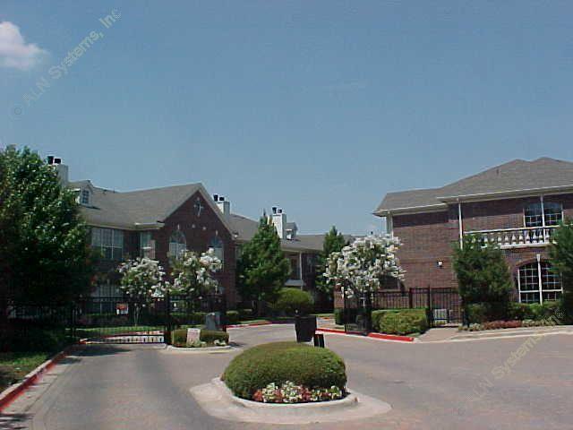 Preston Bridge Apartments Dallas TX