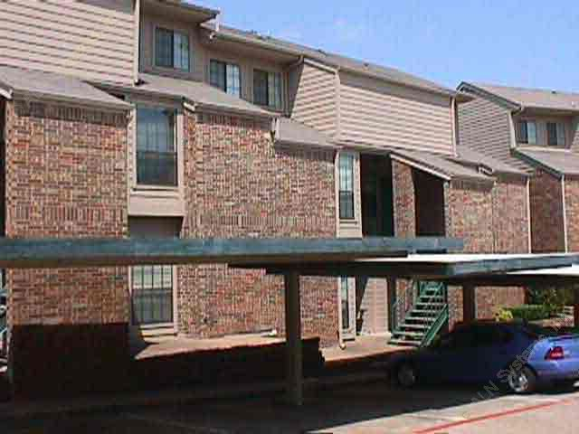 Forestwood on the Creek Apartments Dallas TX